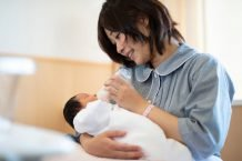 مصرف کوپاکسون توسط مادر در دوره شیردهی، تاثیر منفی روی نوزاد نمی گذارد